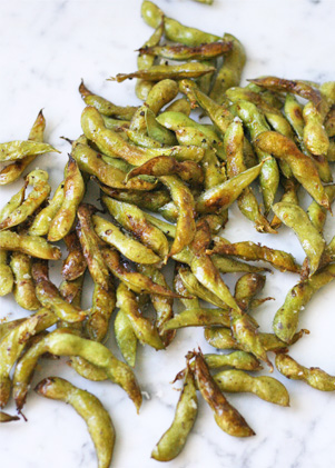 Roasted edamame - a perfect snack that enhances the flavour of the nutrient-packed green soy beans