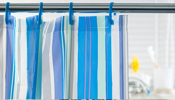 can you wash plastic shower curtains in the washing machine