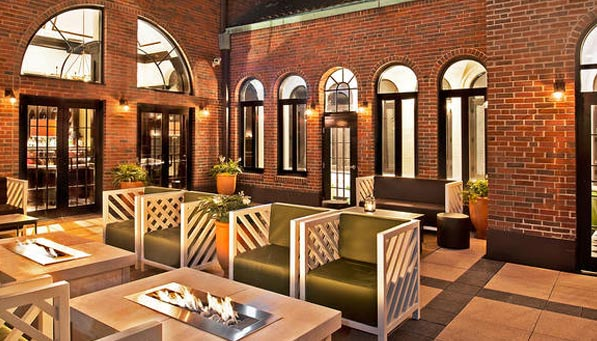 Chicago's 10 Best Rooftop Bars | Come on up, the view's ...